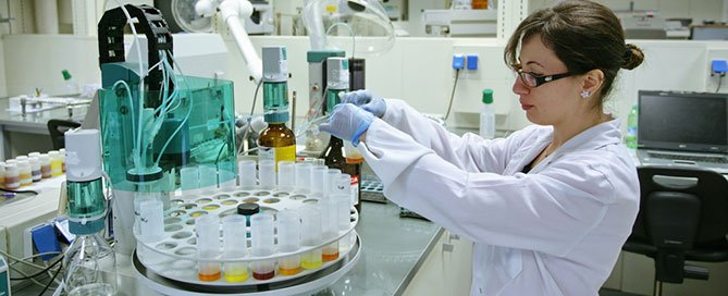 female-microbiologist-in-laboratory-setting