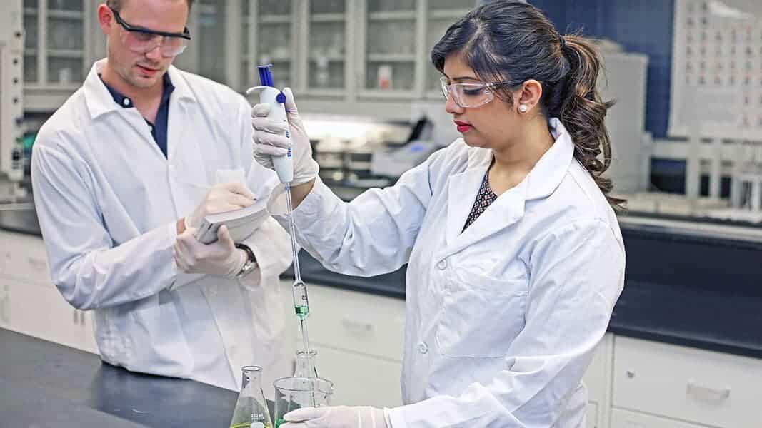 Chemists & Chemistry Graduates